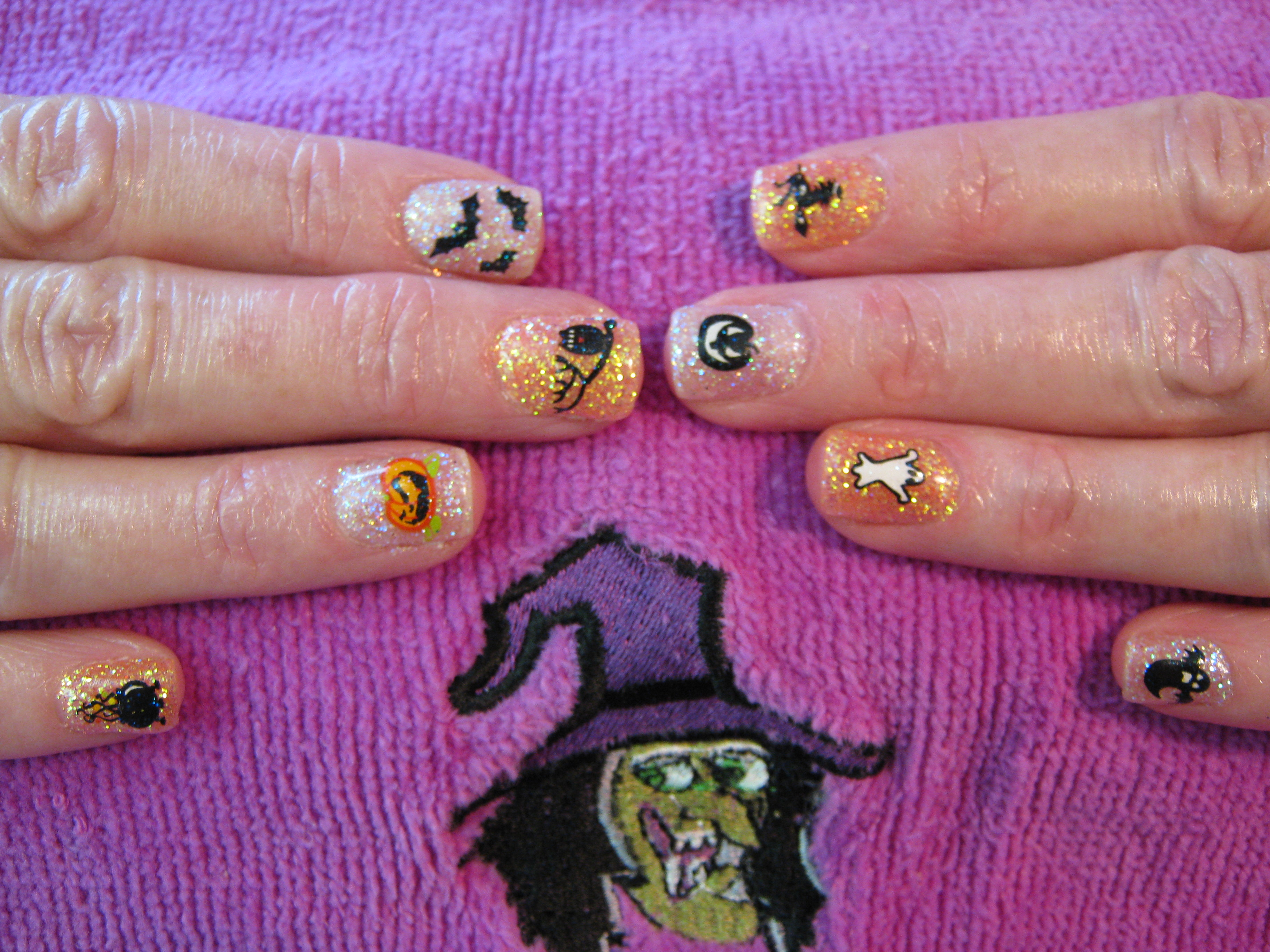 halloweenglitternails.jpg